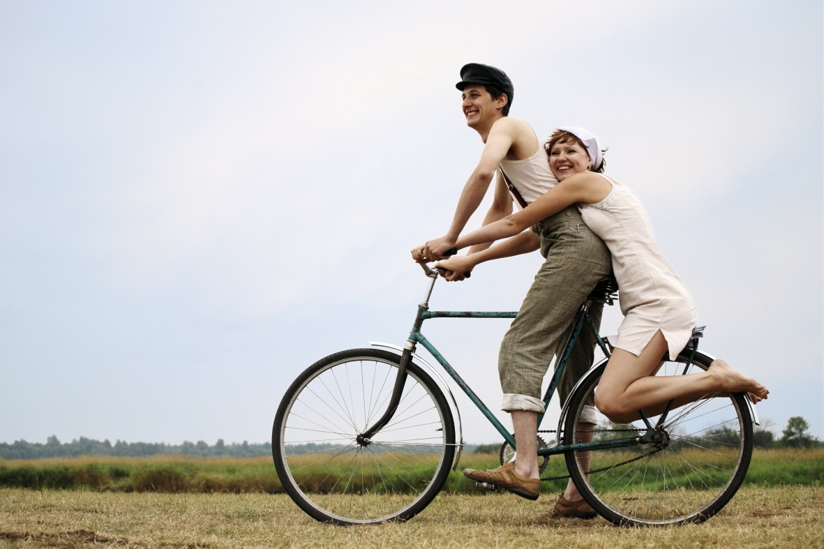 a personal narrative on the love of riding a bike While it is true a narrative is a story, there is more in the telling of the story the narrative, or story, needs to make the reader feel involved, teach a lesson, help get an idea across, or feel emotionally about it.
